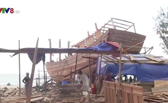 Ngư dân Thừa Thiên Huế chung vốn đóng tàu lớn vươn khơi