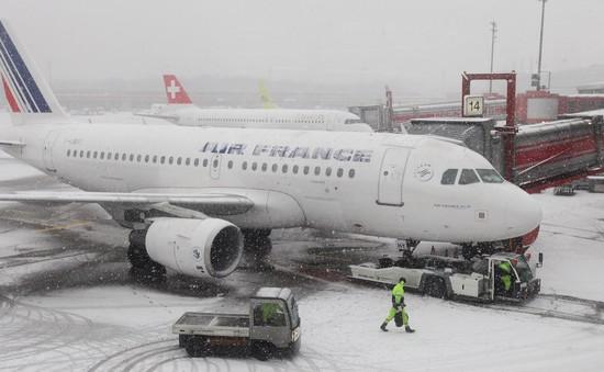 Hành khách kẹt ở Siberia 3 ngày do sự cố máy bay
