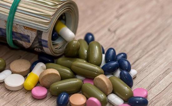 Mỹ yêu cầu các nhà sản xuất công khai giá thuốc