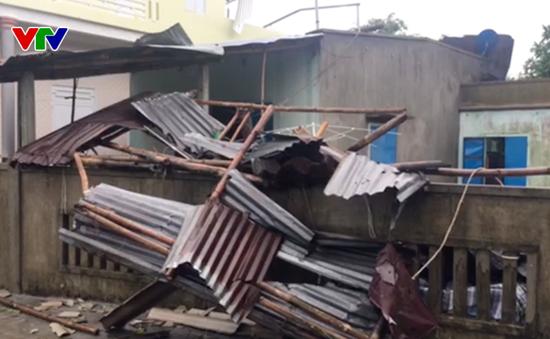 Phú Yên: 23 người bị thương, gần 150 nhà dân bị sập, tốc mái do lốc xoáy