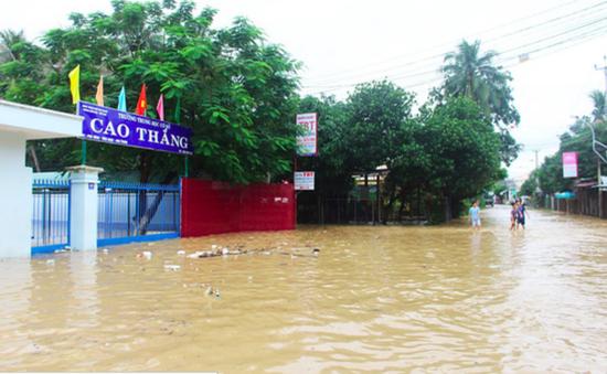 Mưa lớn gây ngập nặng tại Khánh Hòa