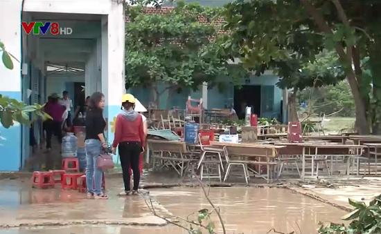 Các trường học ở Nha Trang khắc phục hậu quả do mưa lũ