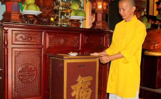 Trộm tiền công đức, bị nhà chùa bắt tại trận