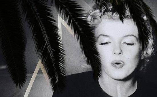 Quả cầu vàng của Marilyn Monroe được bán giá 250.000 USD