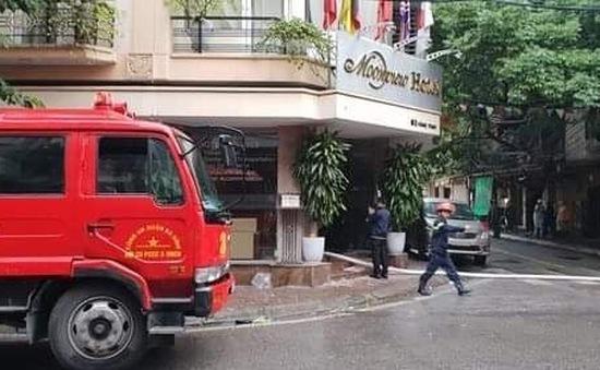 Giải cứu 26 người mắc kẹt trong vụ cháy khách sạn ở Hàng Than