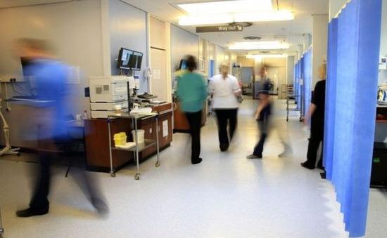 Chất lượng dịch vụ y tế bệnh viện Anh giảm do quá ồn