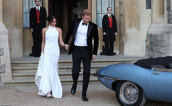 Vợ chồng Hoàng tử Harry rời Cung điện Kensington đến nơi ở mới trước sinh con
