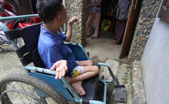 Cô gái bại liệt bị xâm hại đến mang bầu