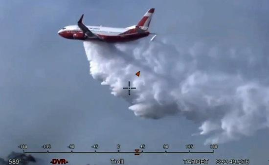 Australia sử dụng máy bay để dập cháy rừng
