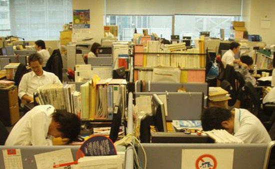 Nhật Bản khuyến khích nhân viên chợp mắt trong giờ làm để đảm bảo sức khỏe