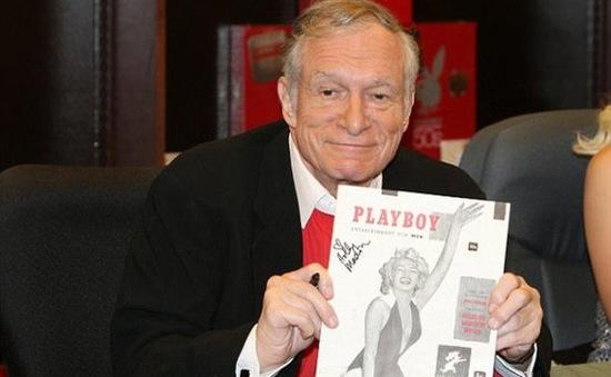 """Bộ đồ ngủ của """"ông trùm"""" Playboy Hugh Hefner chính thức lên sàn đấu giá"""