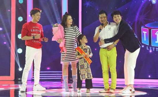 Con gái cựu danh thủ Hồng Sơn gây sốt với khả năng catwalk điêu luyện