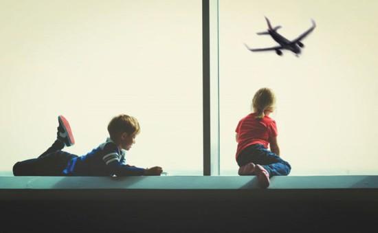 Kinh nghiệm khi đi máy bay với trẻ nhỏ giúp giảm căng thẳng