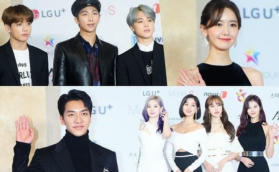 Thảm đỏ Asia Artist Awards 2018: YoonA, IU đẹp khuynh đảo, Suzy quyến rũ vì trang phục hở bạo