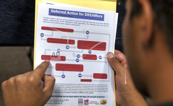 Mỹ rút lại quyết định trục xuất người nhập cư gốc Việt