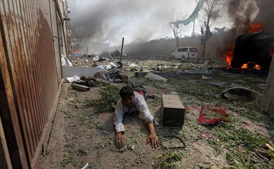 Đánh bom đẫm máu tại Afghanistan