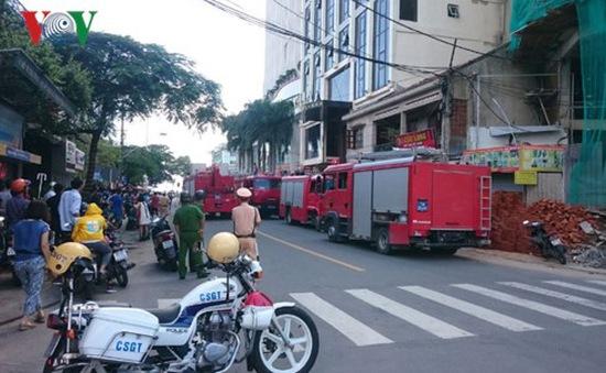 Cháy khách sạn 4 sao ở Khánh Hòa, nhiều người hoảng loạn