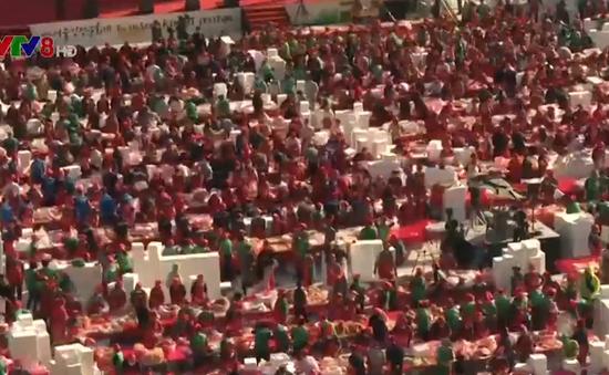 Hàng ngàn người tham gia lễ hội kim chi từ thiện tại Hàn Quốc