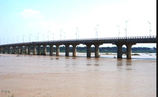 Cầu 650 tỷ đồng qua sông Trà Khúc sắp hoàn thành