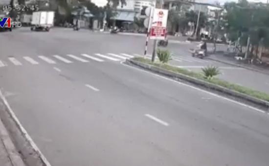 Yêu cầu xử lý 2 điểm đen giao thông tại Hà Nội, Khánh Hòa