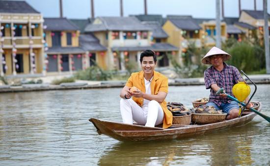 """MC Nguyên Khang: Cuộc sống phong phú hơn nhờ """"Gặp gỡ Đông Tây"""""""