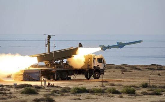 Iran giới thiệu hệ thống phòng không mới
