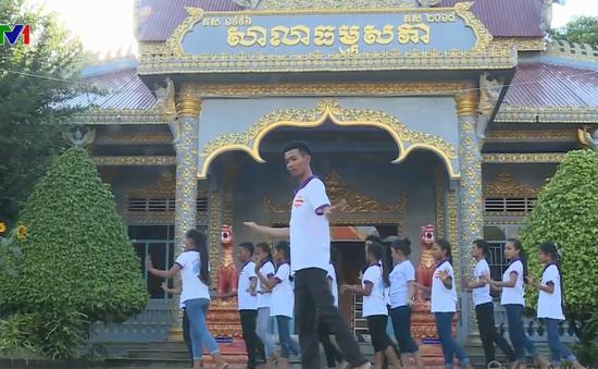 Thanh niên Khmer tích cực bảo tồn nghệ thuật múa truyền thống