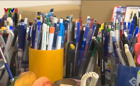 Bộ sưu tập hơn 2.500 cây bút đạt kỷ lục châu Á