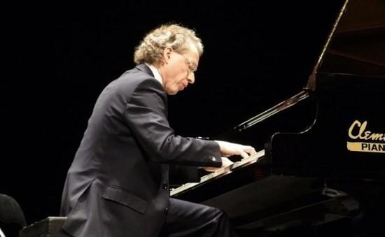 Nghệ sỹ dương cầm Robert Lehrbaumer mang âm nhạc nước Áo đến Việt Nam