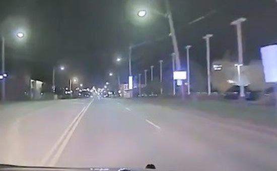 Mỹ: Cảnh sát truy đuổi bé trai 11 tuổi trộm ô tô của mẹ