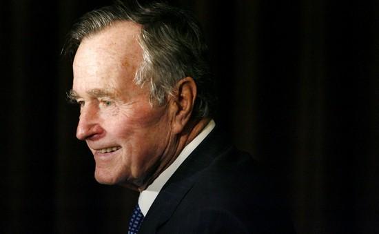 Cuộc đời oai hùng của George H.W. Bush: Từ phi công chiến đấu, Tổng thống Mỹ tới nhà từ thiện tỷ đô