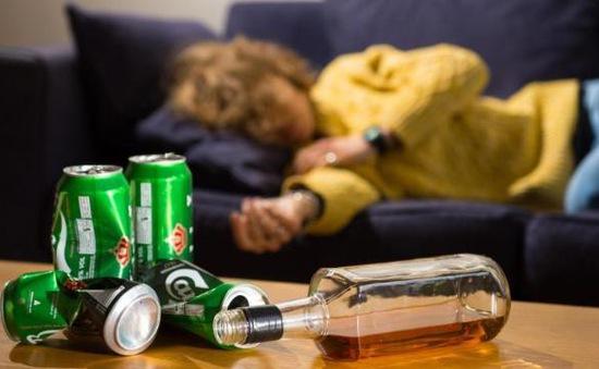 Hầu hết người trưởng thành ở Anh có lối sống không lành mạnh