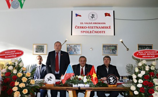 Hội  Czech - Việt nỗ lực bảo vệ hình ảnh Việt Nam tại  Czech