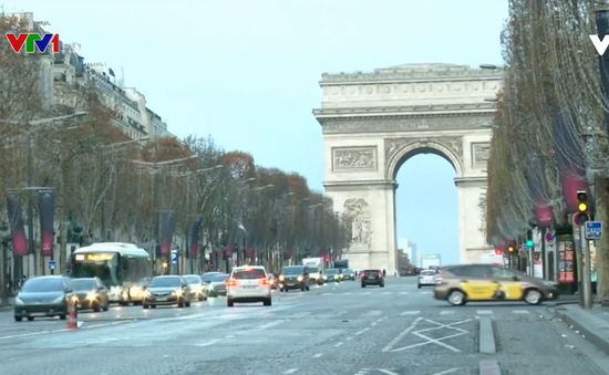 Pháp hạ dự báo tăng trưởng kinh tế