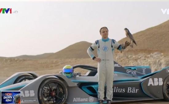 Chiêm ngưỡng cảnh tượng xe đua với chim ưng