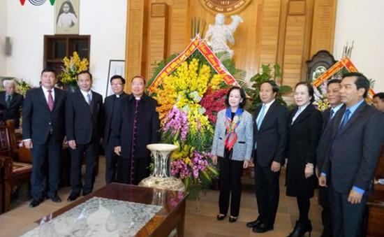 Bà Trương Thị Mai chúc mừng Giáng sinh tại Hải Phòng