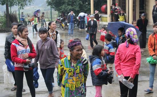 Biên phòng Hà Tĩnh hỗ trợ đồng bào dân tộc Chứt đón tết truyền thống