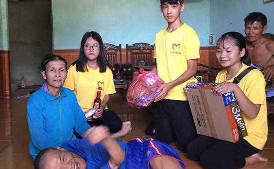 Cô giáo cảm hóa học sinh hướng thiện, giúp người nghèo khó, bất hạnh