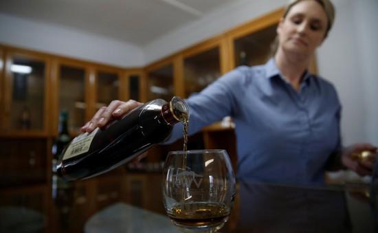 1/3 rượu whisky hiếm Scotland bị làm giả