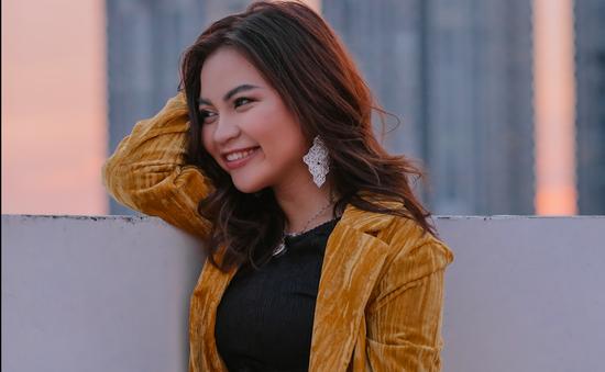 """Tác giả nổi bật tại Việt Nam ra mắt cuốn sách thứ 8 """"Trưởng thành lấy đi điều gì"""""""