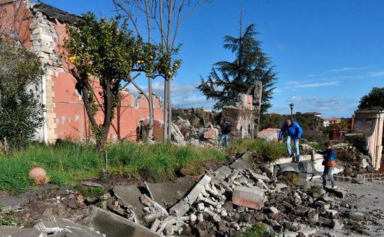Italy: Động đất 4,8 độ Richter, khoảng 30 người bị thương