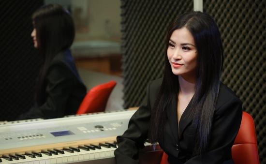 Sau 10 năm ca hát, Đông Nhi bất ngờ tiết lộ từng rất nhát và sợ sân khấu