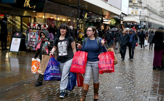 Tưng bừng ngày mua sắm Boxing Day tại Anh