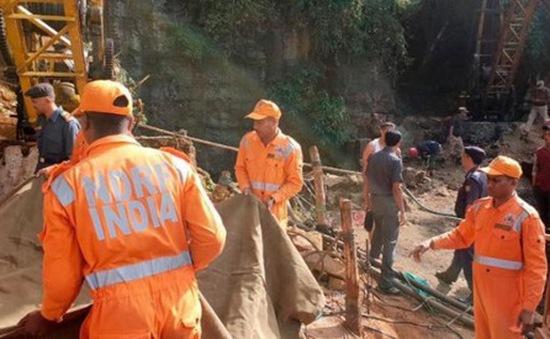 Ấn Độ đẩy mạnh công tác cứu hộ 15 thợ mỏ mắc kẹt trong hầm