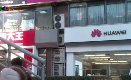 """Mỹ tính """"cấm cửa"""" thiết bị Huawei và ZTE, Trung Quốc phản ứng ra sao?"""