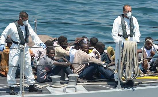 Malta tiếp nhận 11 người di cư trên biển