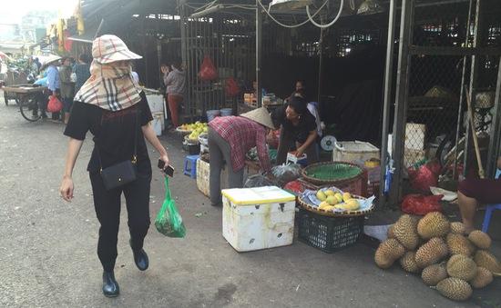 Phóng viên VTV bị đe dọa sau vụ điều tra bảo kê ở chợ Long Biên
