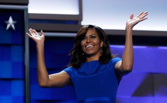 Tự truyện của bà Michelle Obama bán chạy nhất năm 2018