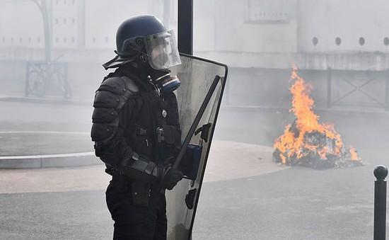 Giải VĐQG Pháp bị ảnh hưởng vì bạo loạn tại Paris