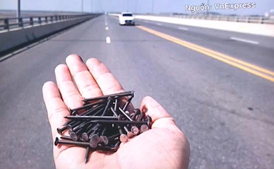 Cầu vượt biển dài nhất Việt Nam bị rải đinh dày đặc